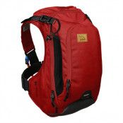 USWE Patriot 15 BP (back protector) 12L Last/3L Vätska Snow  Chili Red